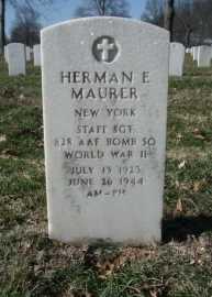 Herman E Maurer gravestone